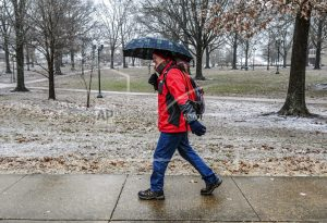 Winter storm drops snow, ice in South, making roads a mess