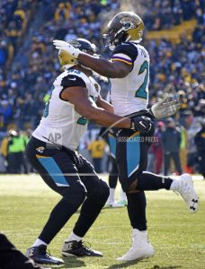 The Latest: Jags lead Steelers 42-35 late in 4th quarter
