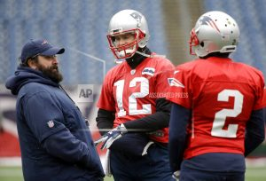 Brady limited participant in practice with right hand injury