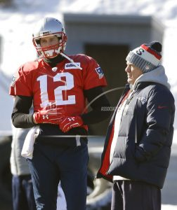 Patriots' Brady misses practice with right hand injury