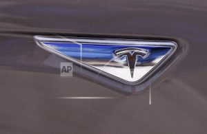 Big pay package for Musk, with even bigger goals for Tesla