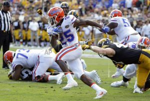 Florida allows 4 suspended players to rejoin team activities