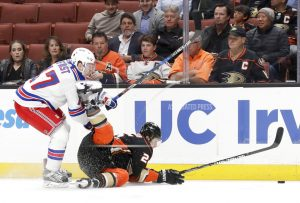 Ducks score 4 in 1st period, go on to 6-3 win over Rangers