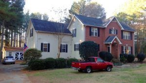 Suspect shoots 4 officers in S Carolina, 1 critically hurt