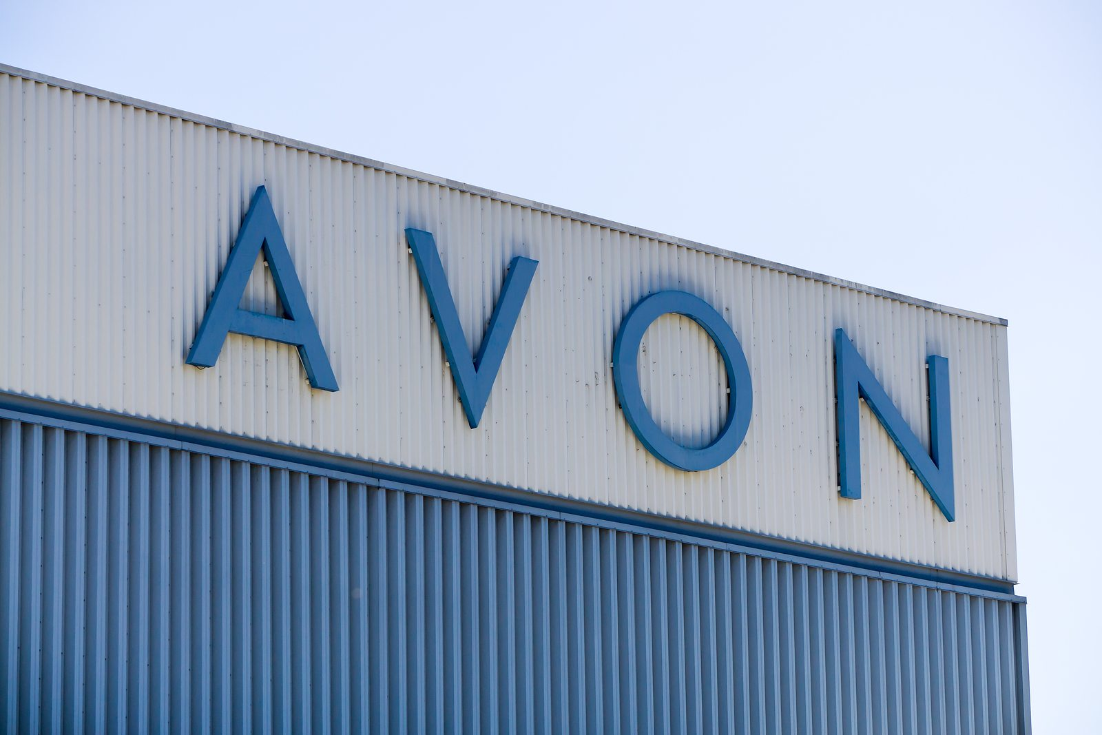 Shareholder Group Calls On Avon Board To Explore The Sale Of The Company