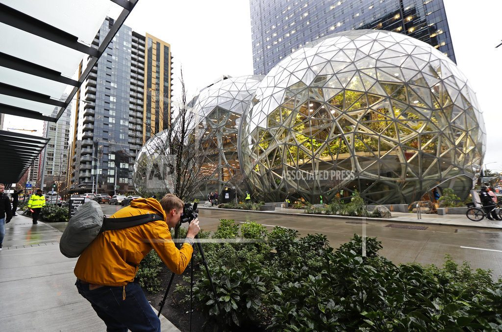 Striking Amazon 'Spheres' landmark opens in downtown Seattle
