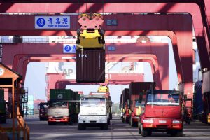 Exports, consumers drive China's 6.9 percent growth in 2017