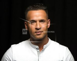 'Jersey Shore' reality star expected to plead to tax charges