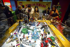 Lego plans video games, social network for Chinese children