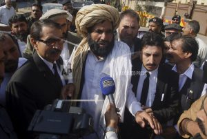 Top Pakistani court orders arrest of escaped police officer