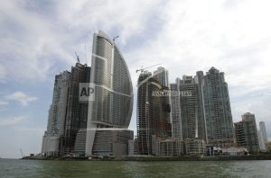 Panama Hotel votes to drop Trump _ but his company won't go