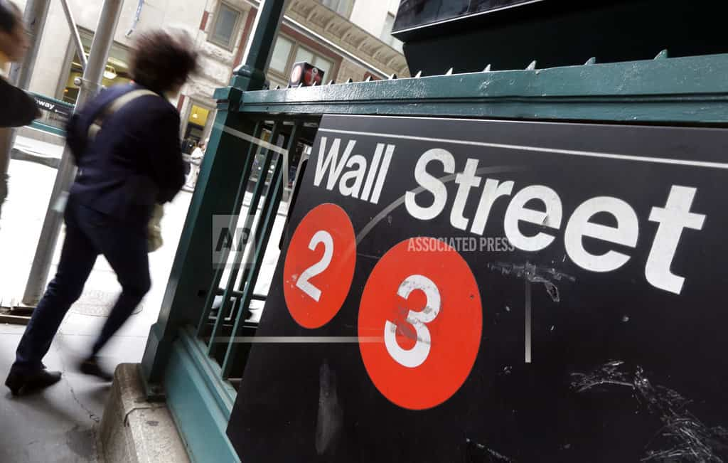 Late-afternoon sell-off steers US stocks toward lower close