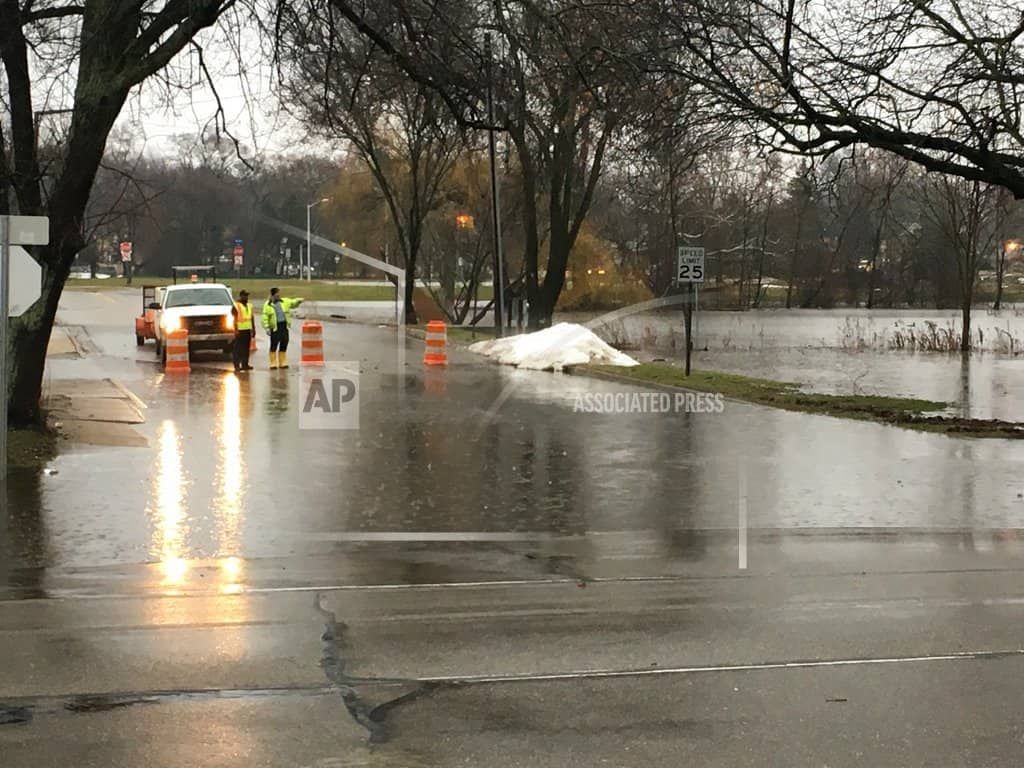 Storm system brings flooding, freezing rain, snow to Midwest
