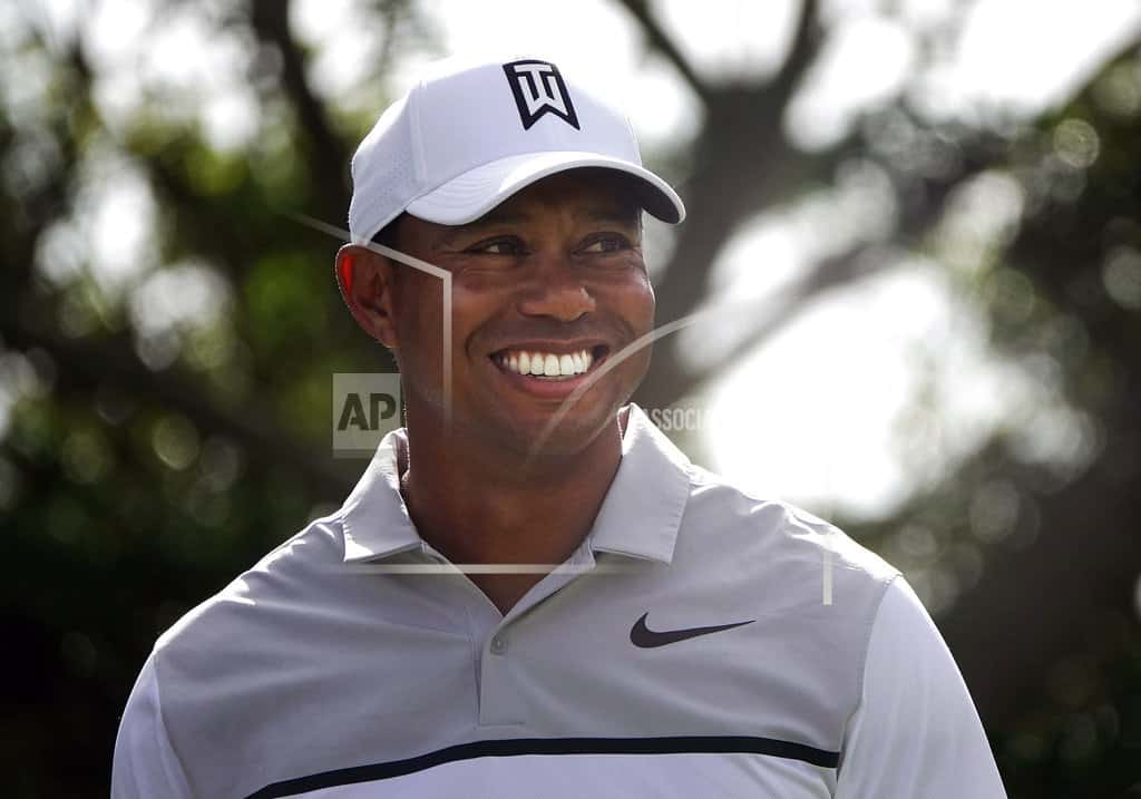 Woods shoots solid 70 at windy Honda; Noren has early lead