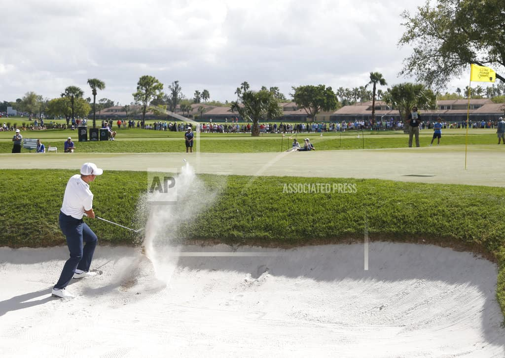 List takes 1-shot lead at Honda Classic with Woods 7 back
