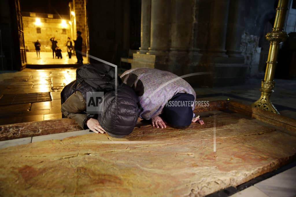 Jerusalem's Church of the Holy Sepulchre reopens after spat