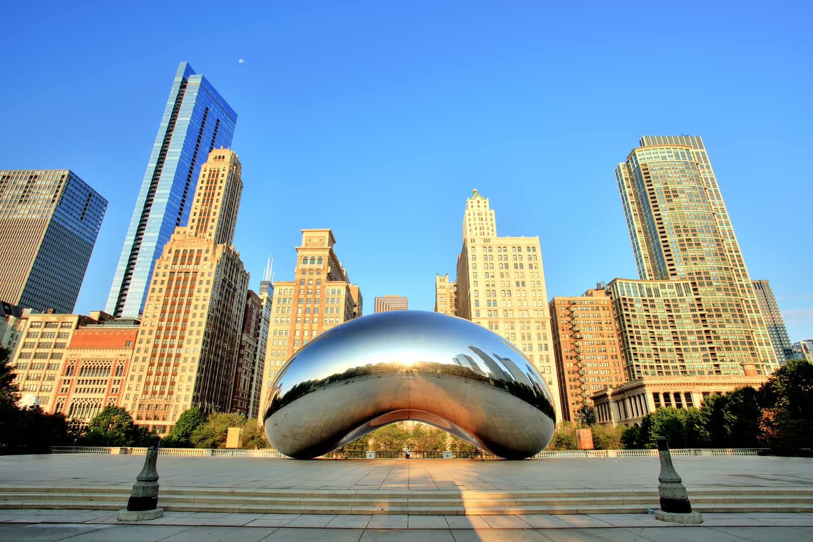 RE/MAX Luxury Report on Metro Chicago Real Estate: $1 Million-Plus Housing Market Strengthened in 2017; Sales Gained While Inventory Fell