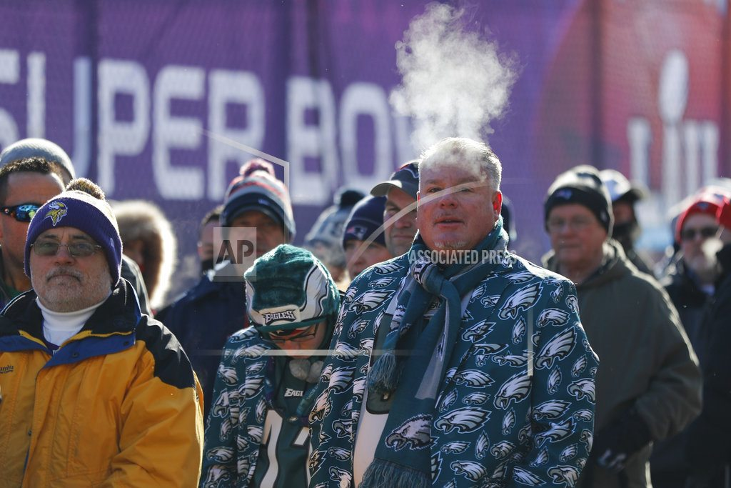 The Latest: Defense helps Eagles win 1,000-yard Super Bowl