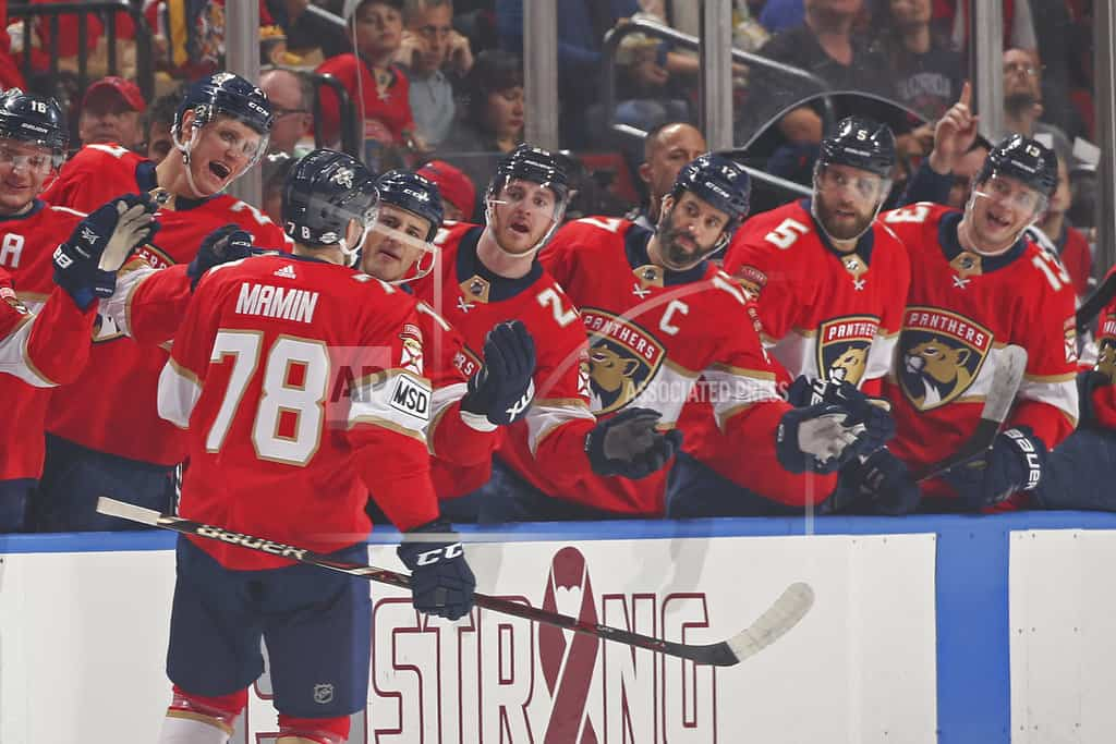 After tribute to shooting victims, Luongo stops Capitals