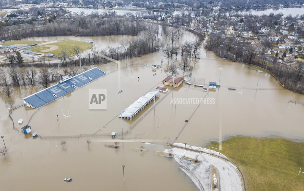 Shelters open amid Midwest flooding as rivers keep rising