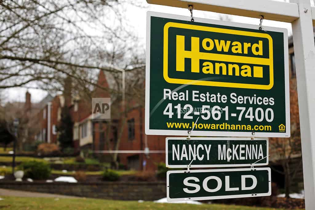 US mortgage rates rise for 8th week in row; near 4-year high