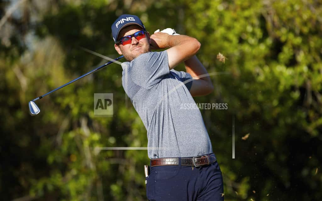 Woods takes another big step, trails by 2 at Innisbrook