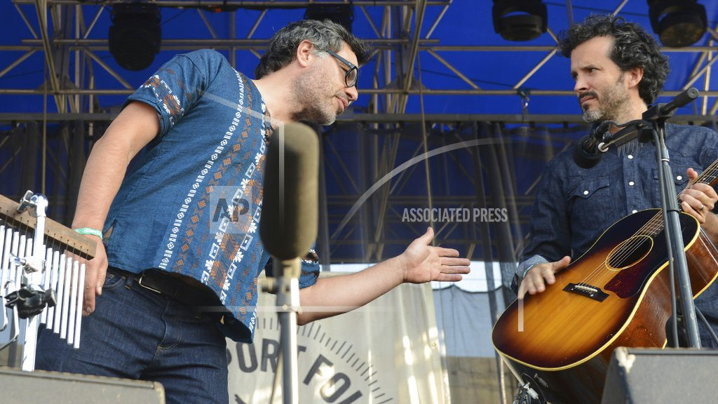 After broken hand, Flight of the Conchords tour postponed