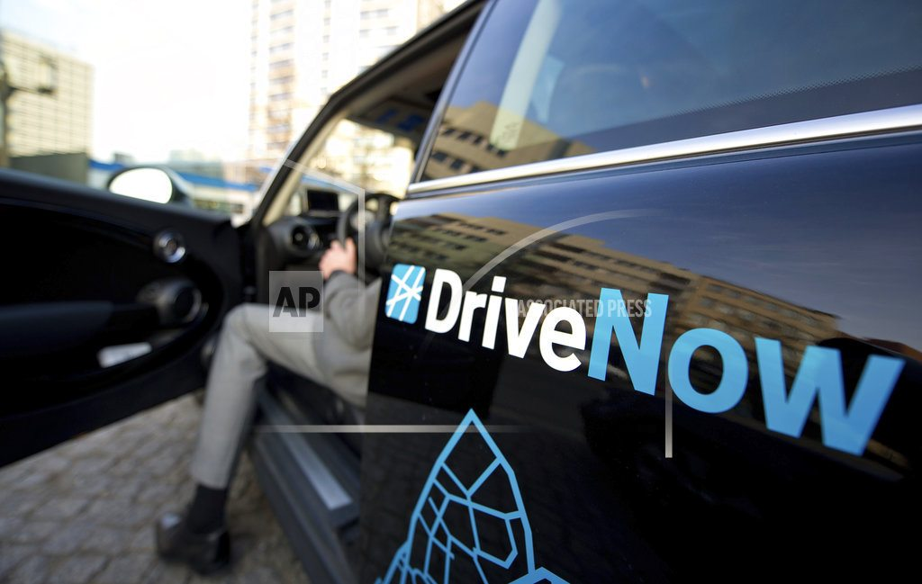 Daimler, BMW to merge car-sharing, other digital services