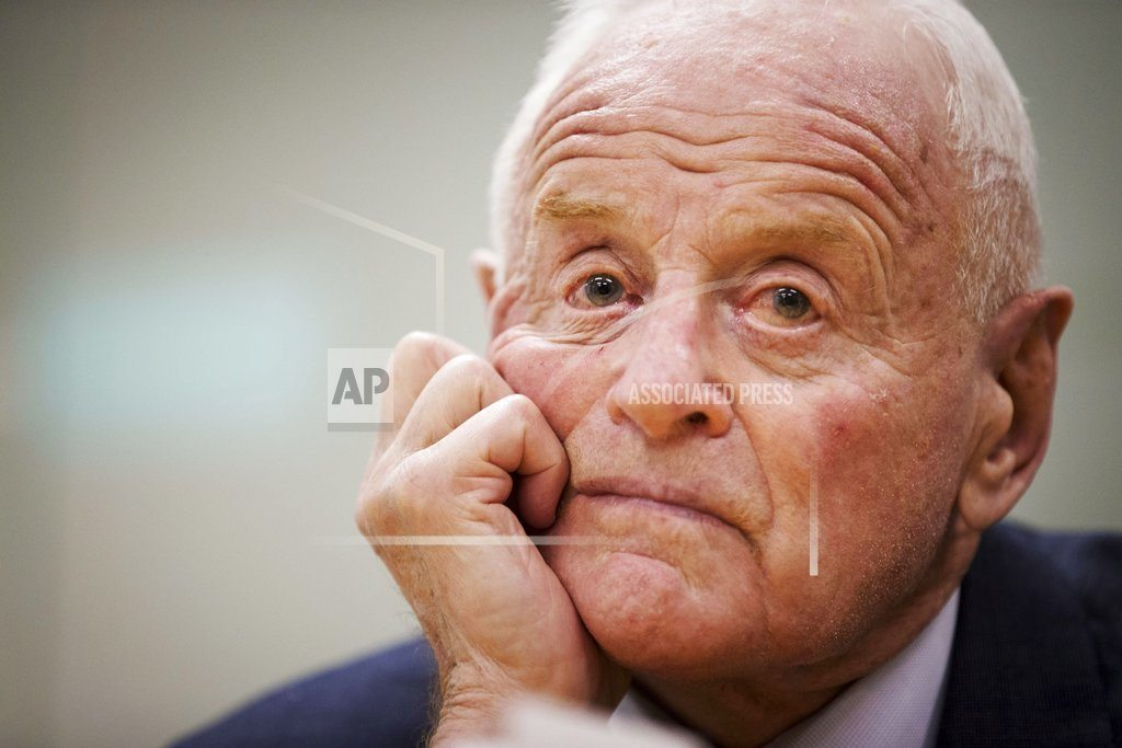 Barrick Gold founder Peter Munk dies in Toronto at age 90