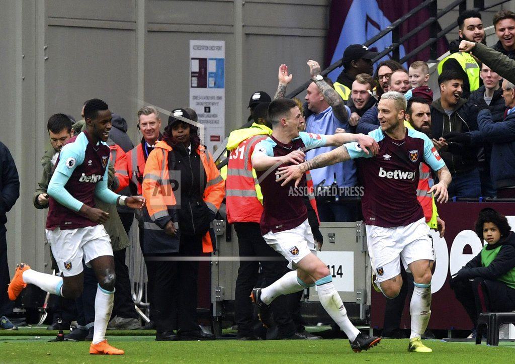 West Ham mutiny calmed by beating Southampton, extra police