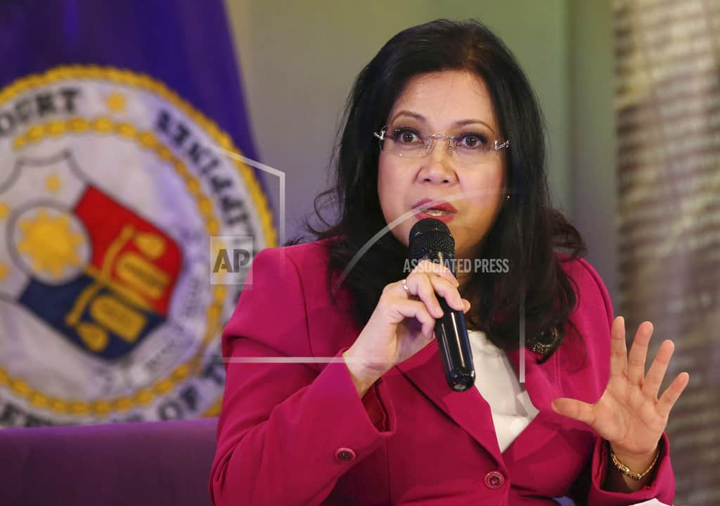 Philippine gov't asks Supreme Court to expel chief justice