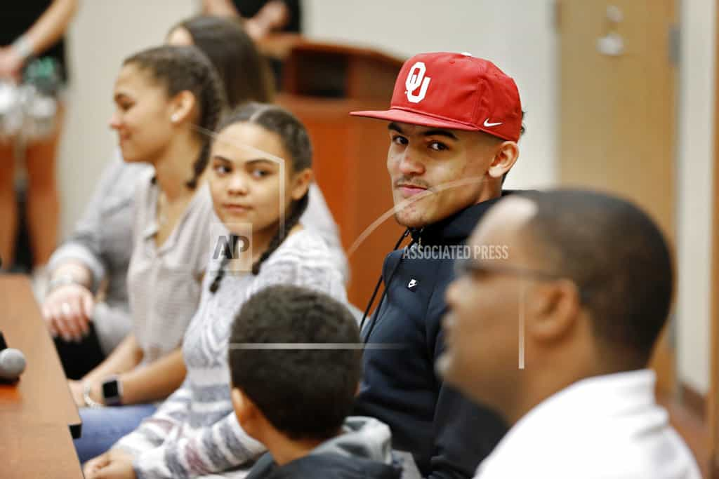 Oklahoma freshman Trae Young revels in role of hometown hero