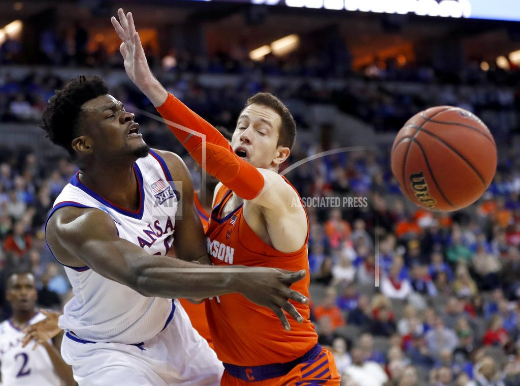 Kansas brings sanity back to March in 80-76 win over Clemson
