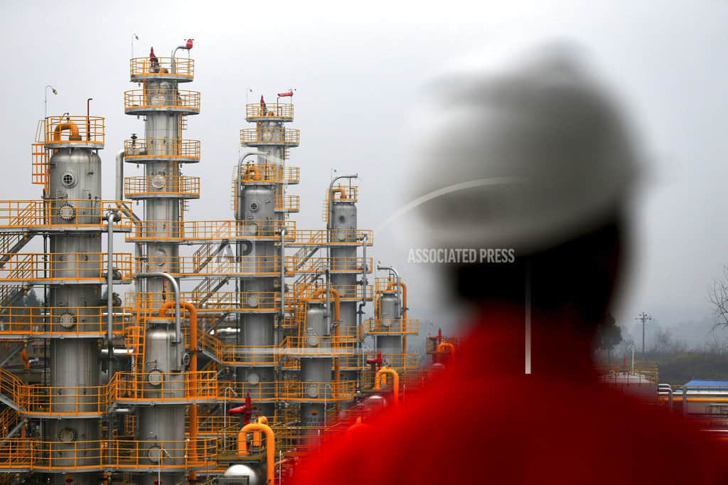 Companies look to China's legislature for quicker reforms