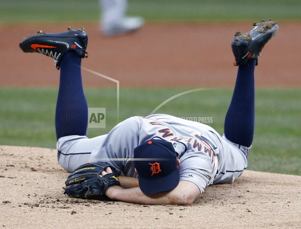 CLEVELAND | Tigers' Zimmerman hit on face by Kipnis' line drive
