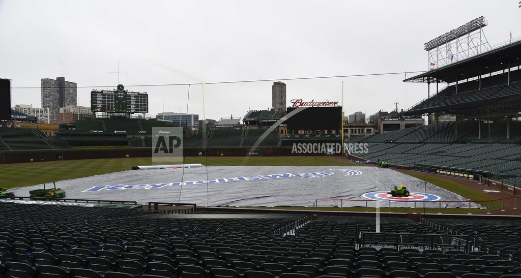 CHICAGO | The game between the St. Louis Cardinals and Chicago Cubs was called off because of wintry weather, the 25th postponement in the first three weeks of the major league season