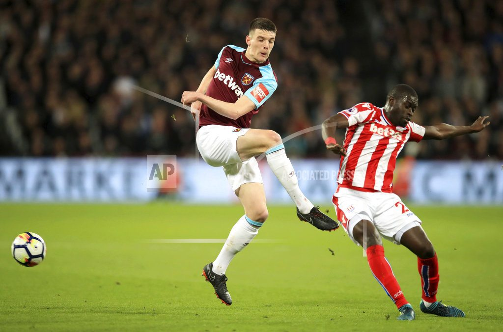 LONDON  | Carroll equalizes late as West Ham holds Stoke to 1-1 in EPL