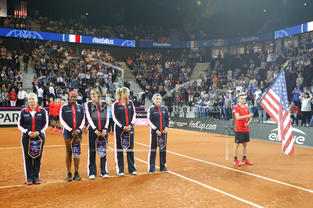 AIX-EN-PROVENCE, France | Fed Cup: France and US 1-1 in semifinals