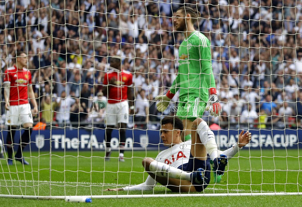 LONDON | Herrera sends Man United into FA Cup final with win vs Spurs