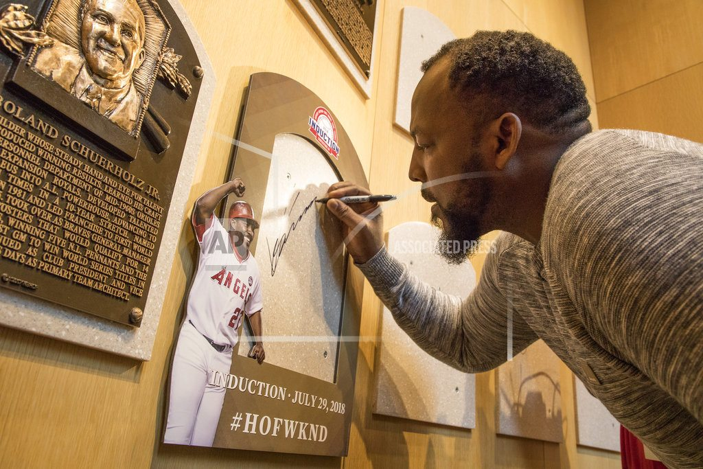 "COOPERSTOWN, N.Y | Vlad Guerrero tours Baseball HOF, ""so glad"" he made it"
