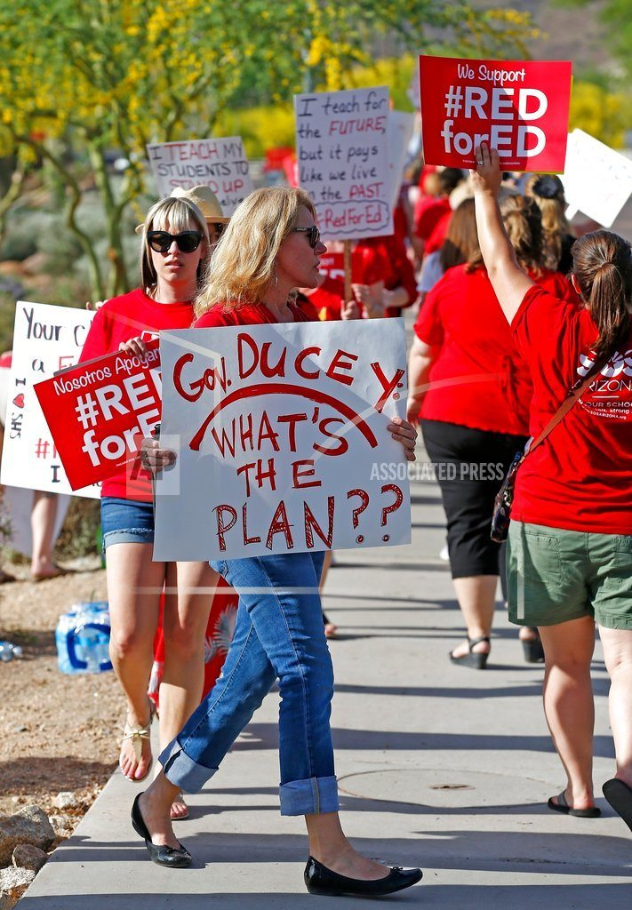 PHOENIX| Arizona governor pushes for teacher pay deal as strike looms