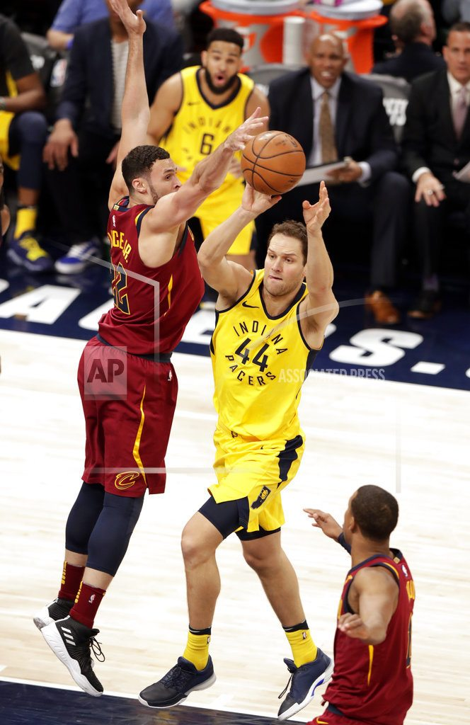 INDIANAPOLIS | Pacers erase 17-point deficit to take 2-1 lead over Cavs