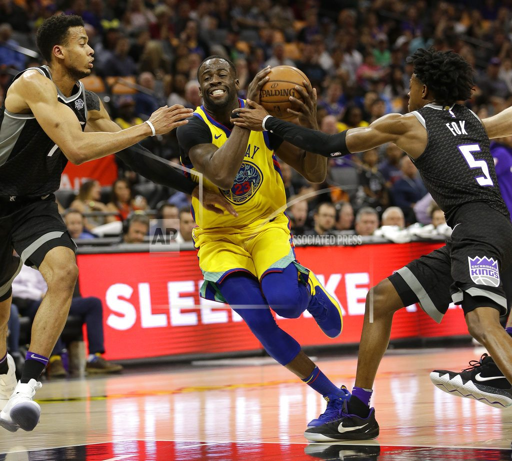 Warriors' McCaw injured in scary fall as team beats Kings