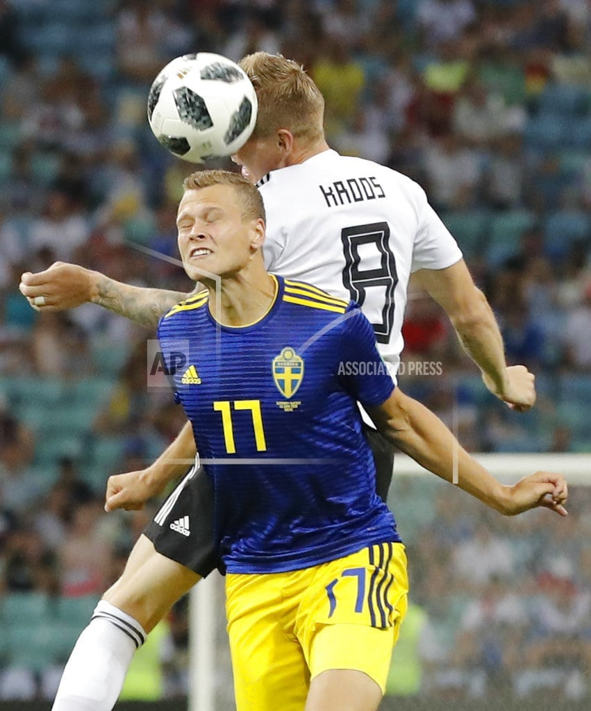 SOCHI, Russia   Kroos scores late to give Germany 2-1 win over Sweden