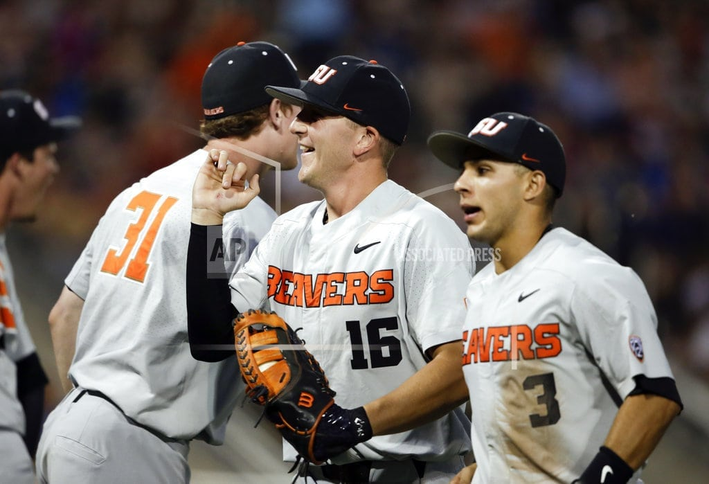OMAHA, Neb | Oregon State out to finish redemption tour against Arkansas
