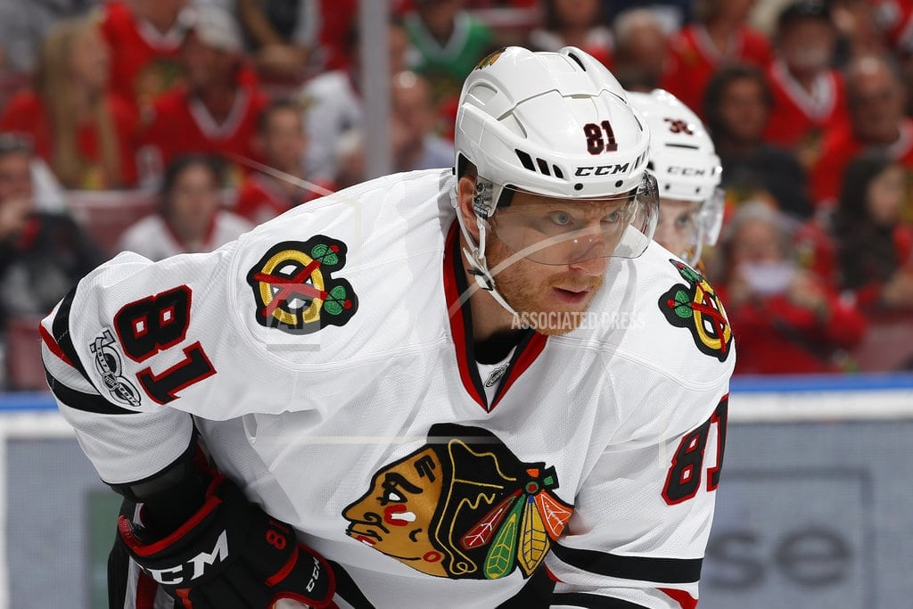 CHICAGO   Blackhawks unload Hossa's contract in trade with Coyotes