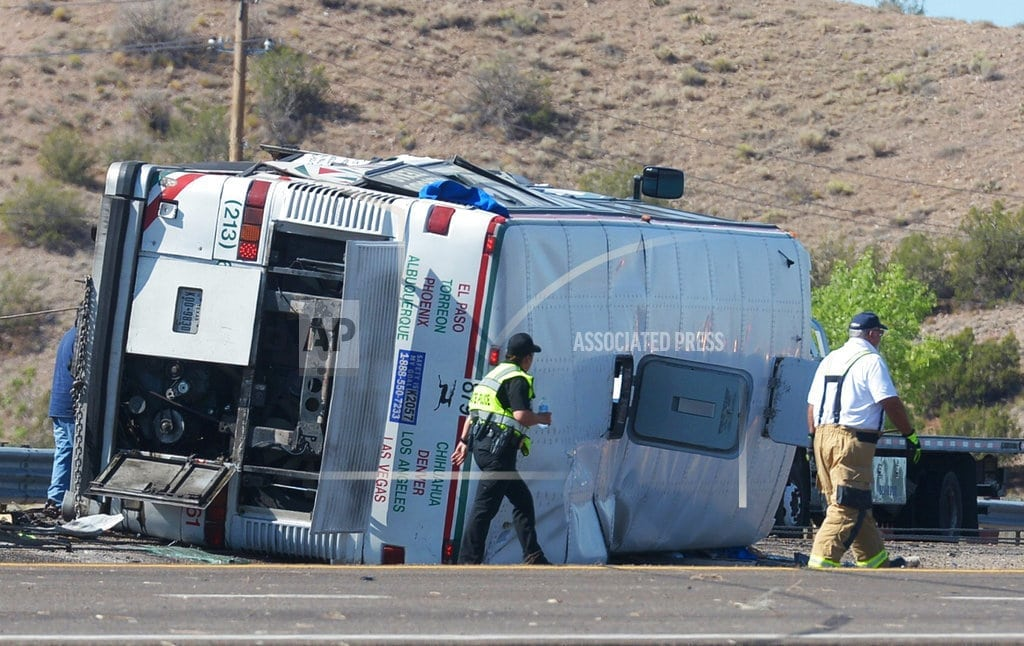 BERNALILLO, New Mexico | New Mexico passenger bus crash kills 3, hurts nearly 2 dozen