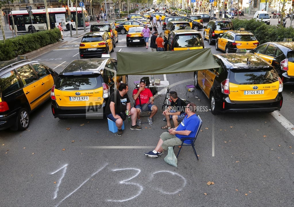 MADRID   Spanish taxi driver protest retains momentum, snarls traffic