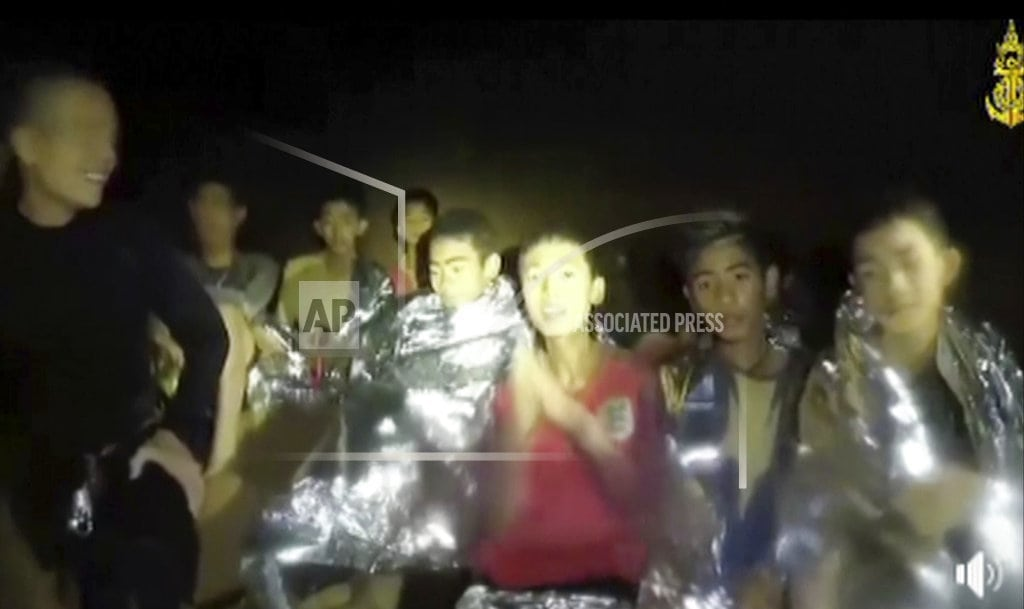 MAE SAI, Thailand | The Latest: Trapped Thai team practices with diving masks,