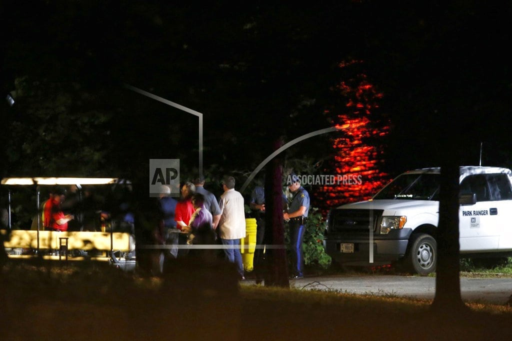 BRANSON, Mo. | The Latest: Arkansas father, son among duck boat victims